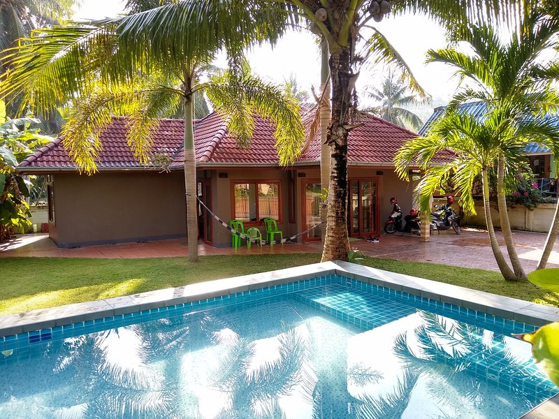 2 bed house with pool in quiet part of koh samui, holiday rental in Taling Ngam