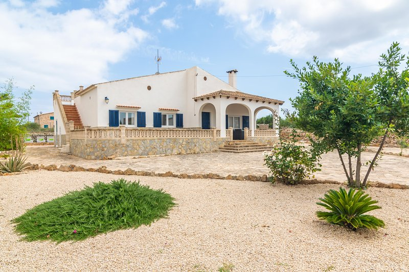 CA NA MARIA FRANCISCA - Chalet for 6 people in Cala Llombards, vacation rental in Cala Santanyi
