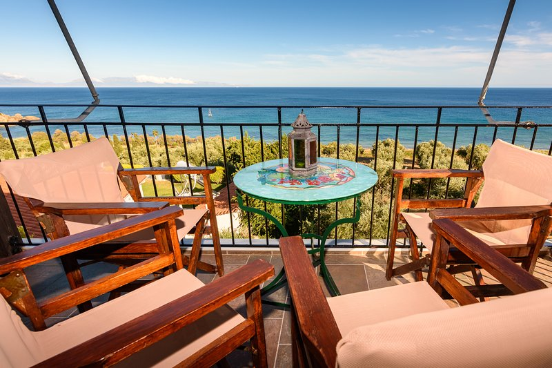 Eros home, perfect location, panoramic sea view, vacation rental in Koroni