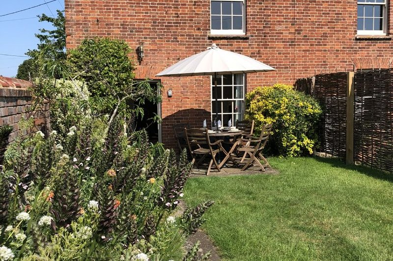 1 Dix Cottages, holiday rental in Thornham