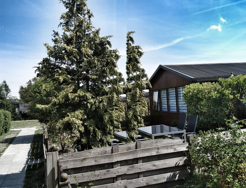 My little cottage, vacation rental in Sint Maartensbrug