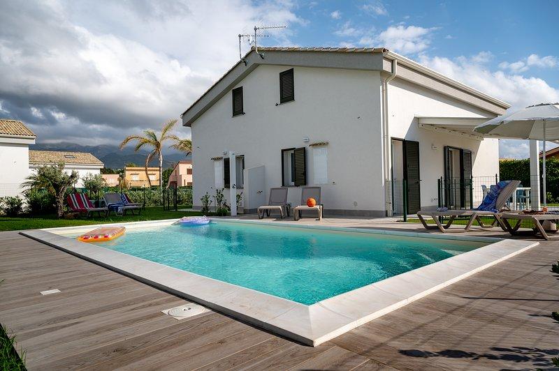 Residence Salinelle Beach Villa Vulcano 4, holiday rental in Lascari
