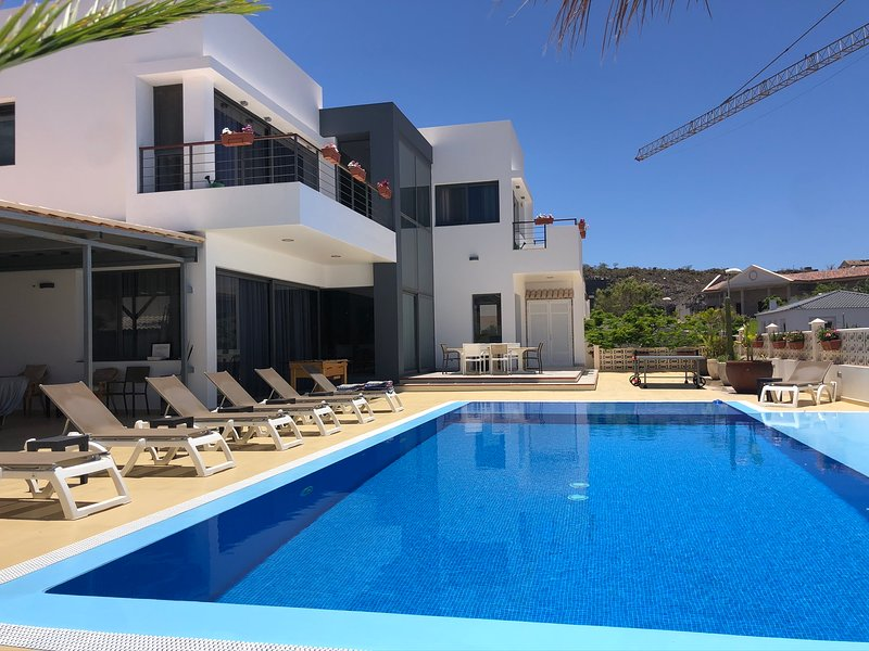 Villa Casa Flamboyant Costa Adeje Tenerife, Ferienwohnung in Adeje