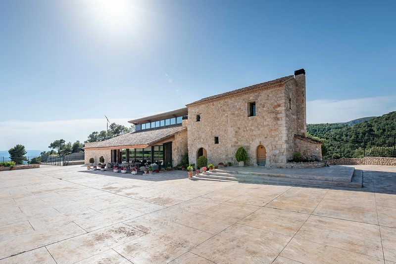 Mas Vidal Santes Creus, holiday rental in Figuerola del Camp