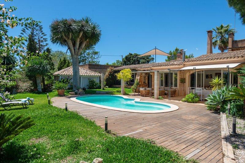 SON TOUS - Villa for 11 people in S'Alqueria Blanca, holiday rental in S'Alqueria Blanca