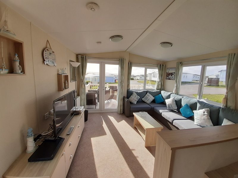 Regal Tempo Blue Dolphin, vacation rental in Filey