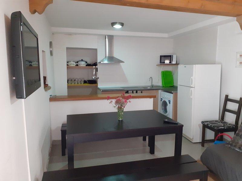 Casa rural Arangol, PEDRUEL, Sierra de Guara, Huesca, Aragón, España, holiday rental in Salillas