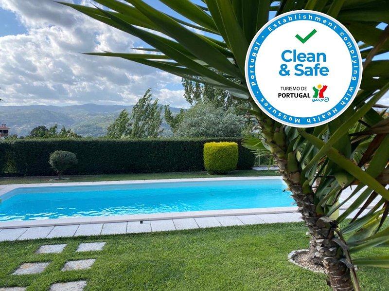 Amazing villa with swimming-pool, holiday rental in Massora