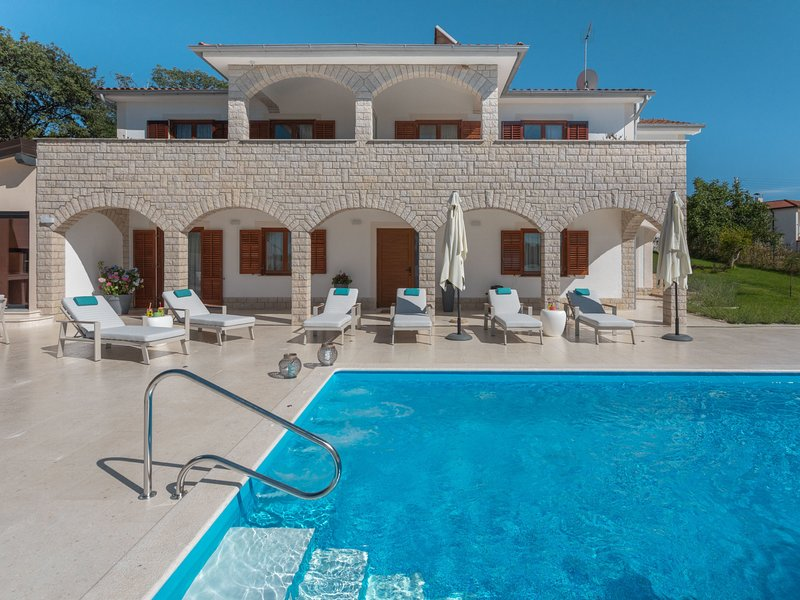 Villa Marina, holiday rental in Fuskulin