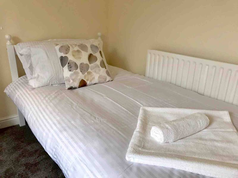 Maly Dom, Sleeps 4, Or 5, holiday rental in Bingham