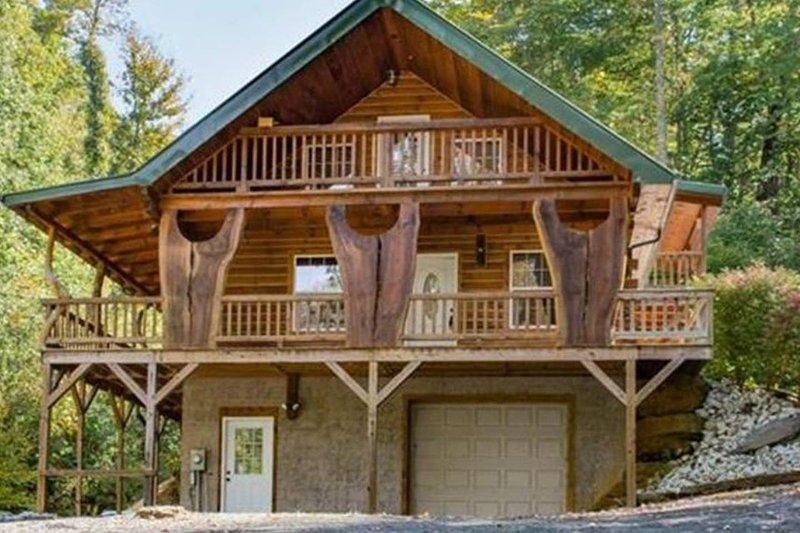 Rusty's Roost Creekside Rental Cabin, aluguéis de temporada em Bakersville