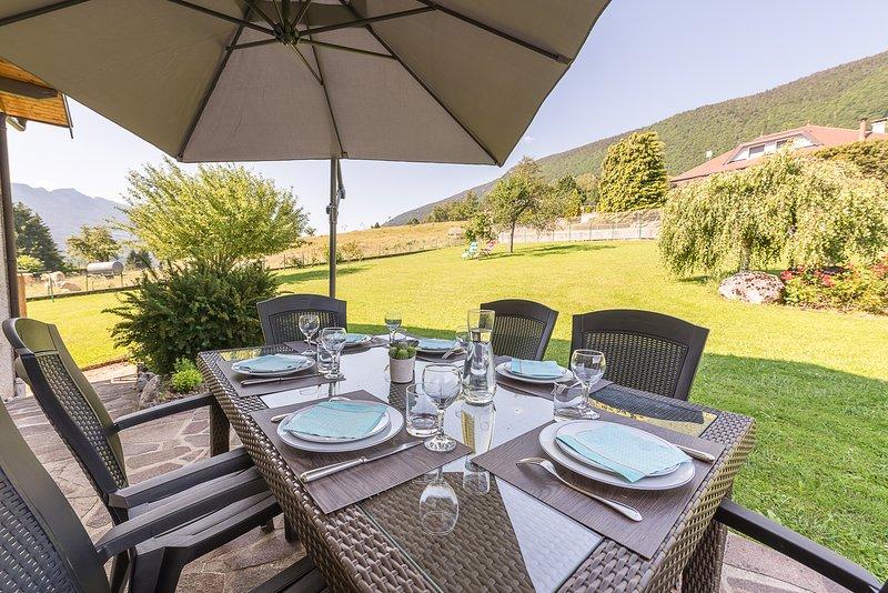 ST JORIOZ Spacieuse maison vue lac 180°, holiday rental in Saint-Jorioz