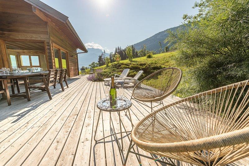 ST Jorioz-  Wood & Art - 360° vue lac, holiday rental in Saint-Jorioz
