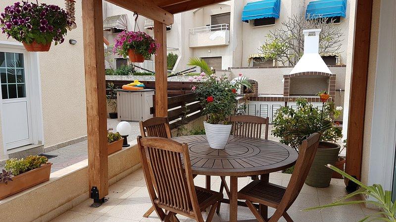 3 Bdrm Beach Villa Inland View Oroklini Larnaca, vacation rental in Dhekelia