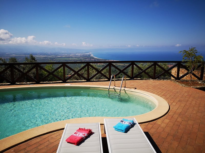 Villa dei Feaci, casa vacanza a Falerna