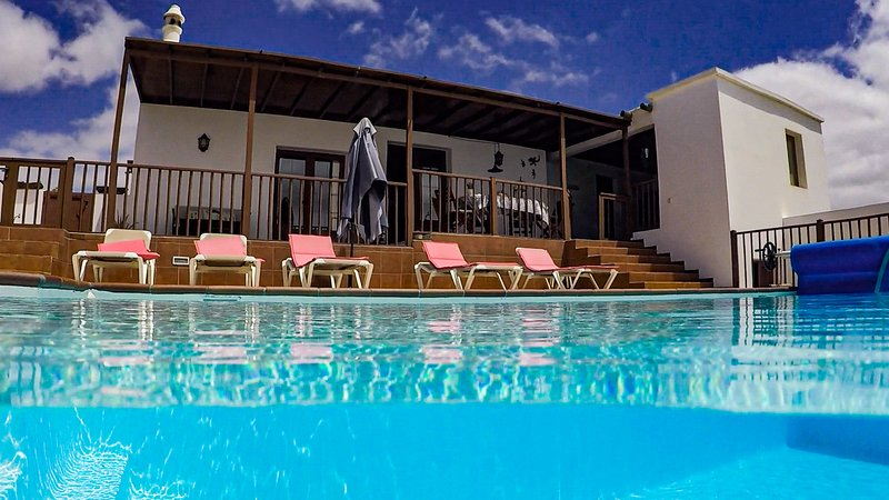 Villa Casa Nayara, vacation rental in Las Laderas