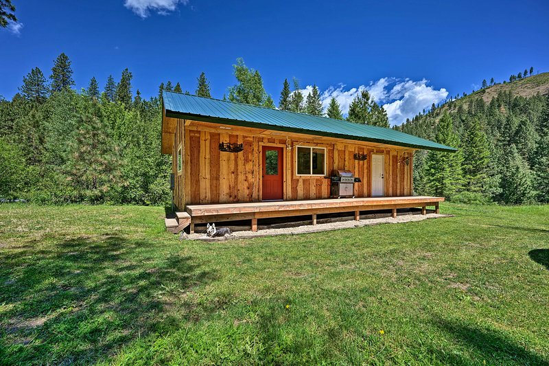Come visit this 2-bedroom, 1.5-bathroom cabin in Boise!