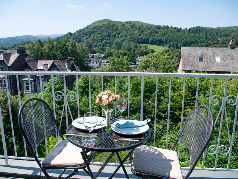 TODD CRAG, beautiful views, WiFi, off road parking, apartment in Ambleside, holiday rental in Ambleside