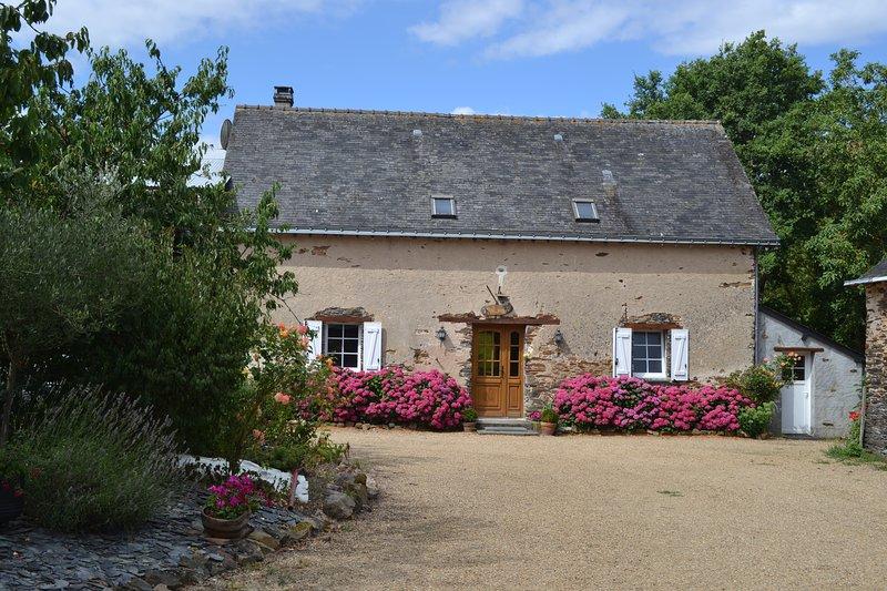 'LE RELAIS DES HIRONDELLES', vacation rental in Segre-en-Anjou Bleu