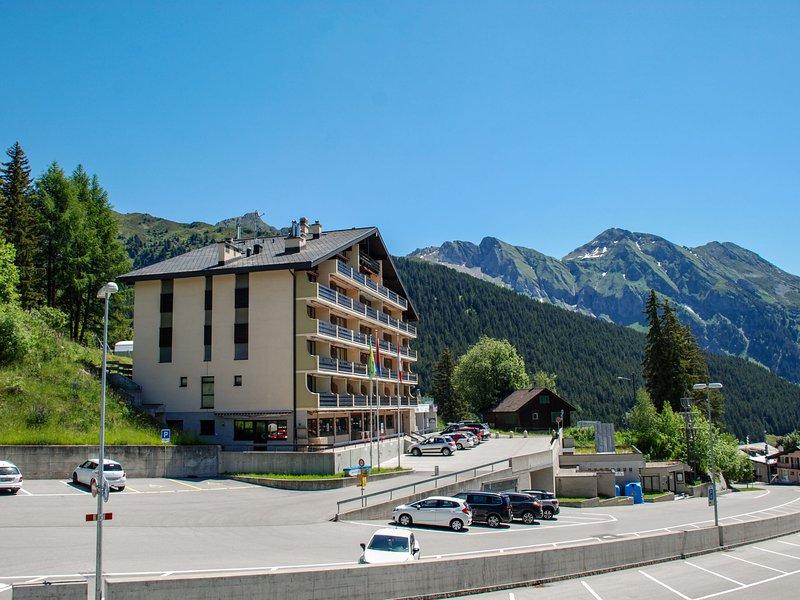 Pineta, vacation rental in Airolo