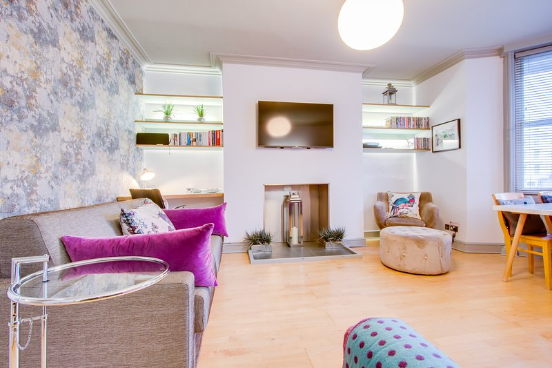 Raised-ground floor Regency apartment by Palace Pier and opposite Steine Gardens, holiday rental in Ovingdean