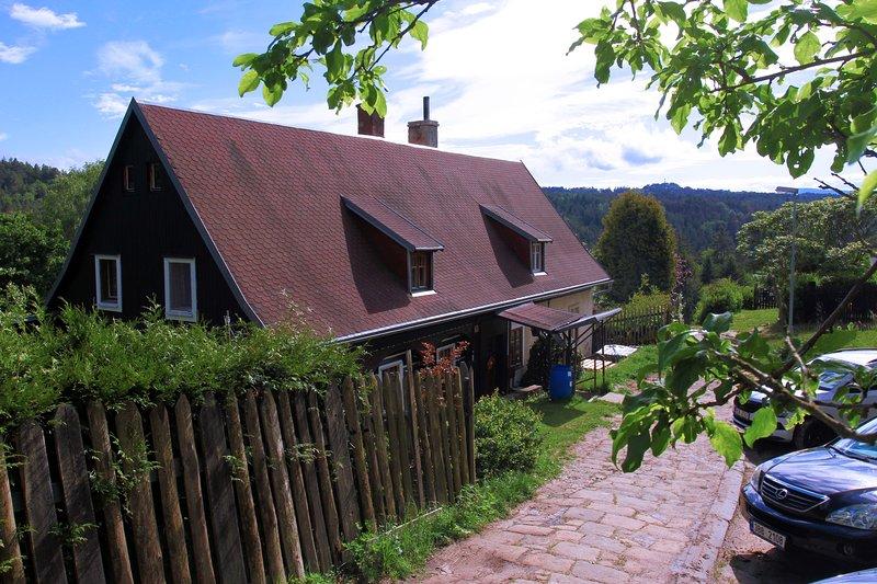 Chaloupka Stará škola, vacation rental in Decin