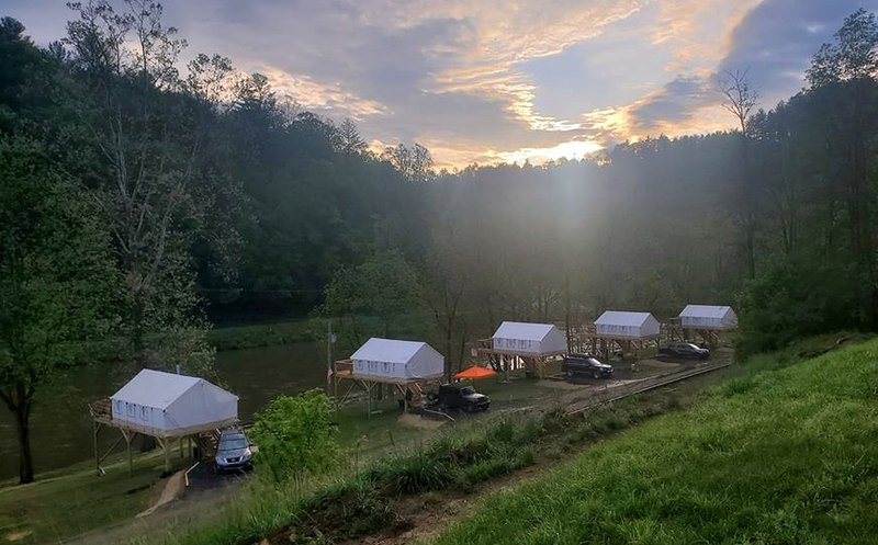 Rusty's Roost River Camp- White Tail Tent, holiday rental in Green Mountain