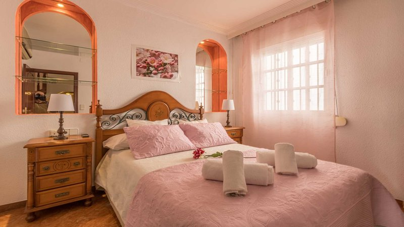 Duplex Nervion for Families or Friends, holiday rental in Marinaleda