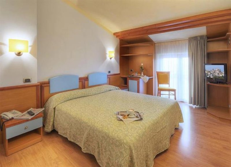 Ostello Settecolli Sport - Stanza Doppia 107, holiday rental in Filottrano
