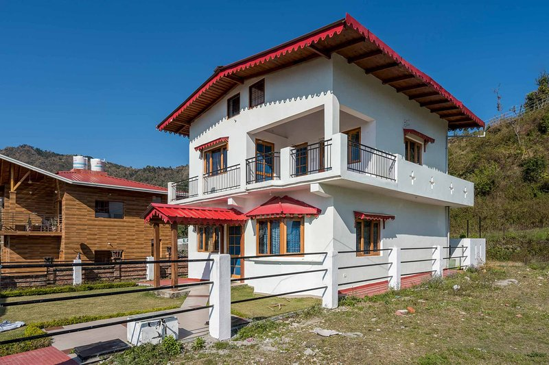 Lakeside Chalet 2 by Vista Rooms, alquiler vacacional en Naukuchiatal