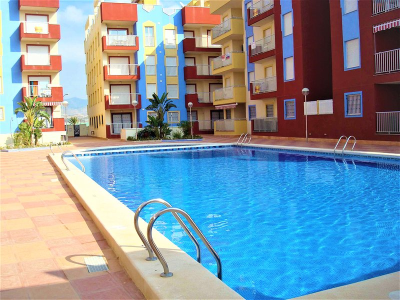 Fabulous 1 bedroom, spacious & well equipped ground floor apartment with pool, holiday rental in Puerto de Mazarron