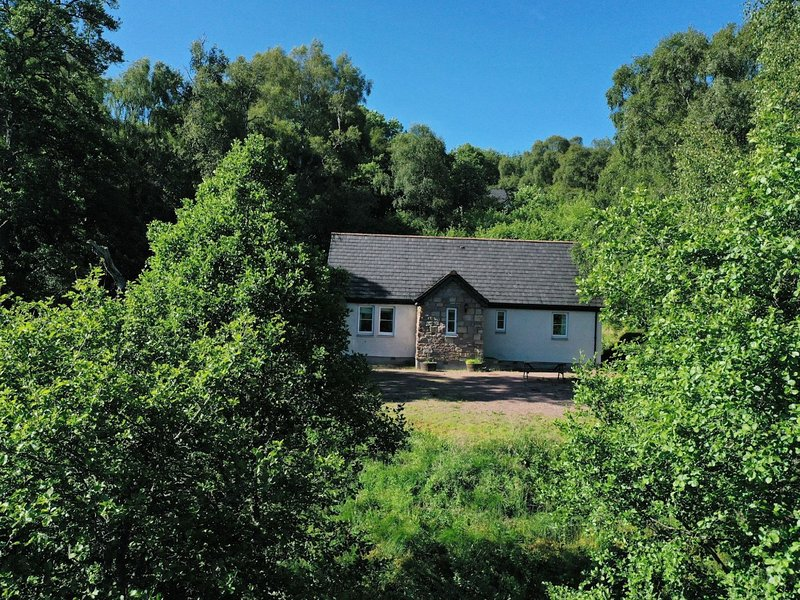 Marcail Cottage, holiday rental in Drumnadrochit