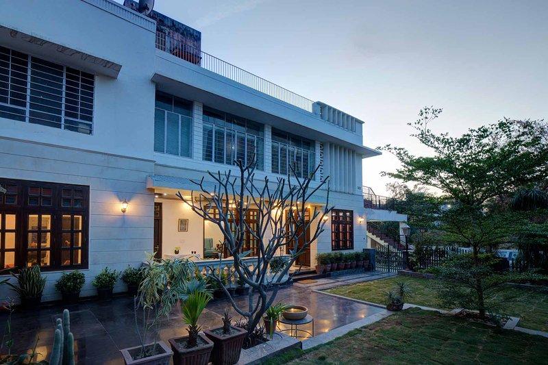 Tranquil Villa by Vista Rooms, holiday rental in Amer