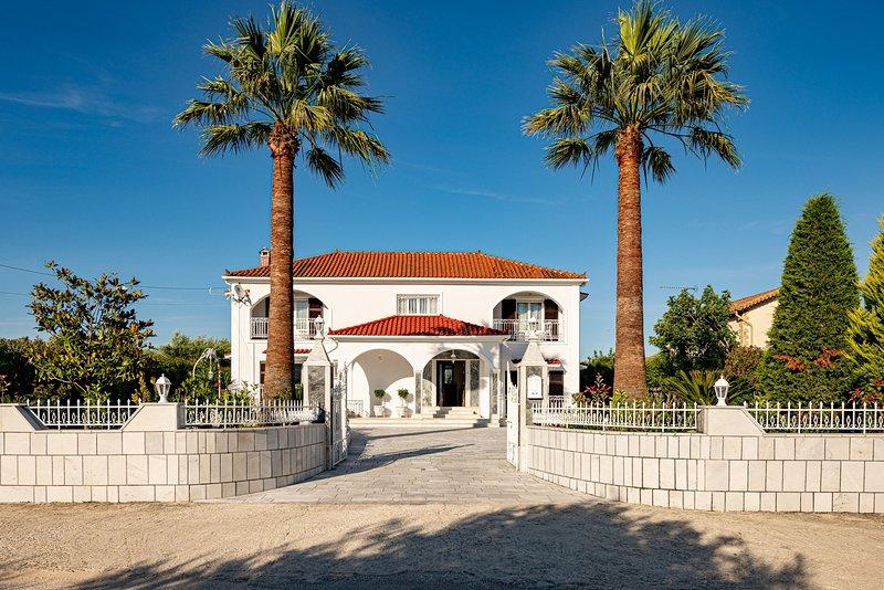 Aigli Luxury Villa in Zakynthos, alquiler vacacional en Lagopodo