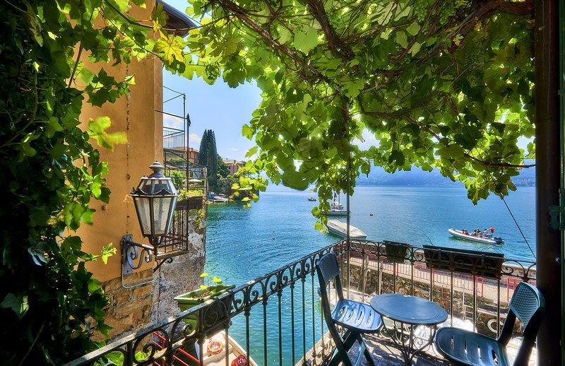Casa Pergola on lakeshore, alquiler de vacaciones en Varenna