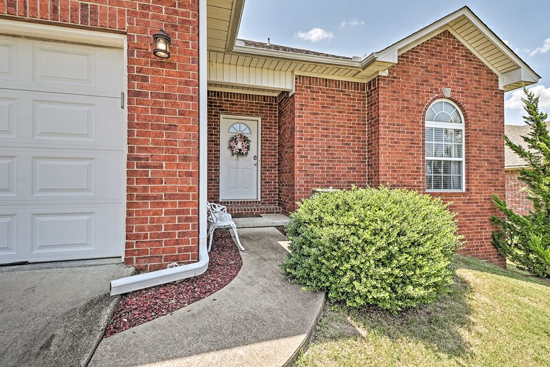 NEW! Hot Springs Home < 2 Miles to Lake Hamilton!, holiday rental in Pearcy