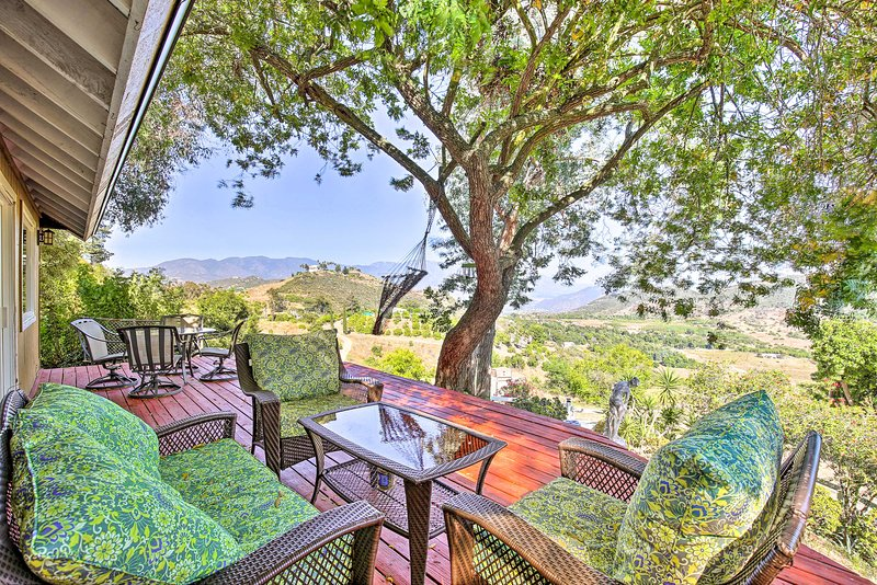 NEW! Hilltop Home in Wine Country: Hot Tub & Views, holiday rental in Pauma Valley