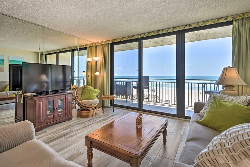 NEW! Oceanfront New Smyrna Hub: View, Beach Access, location de vacances à Edgewater