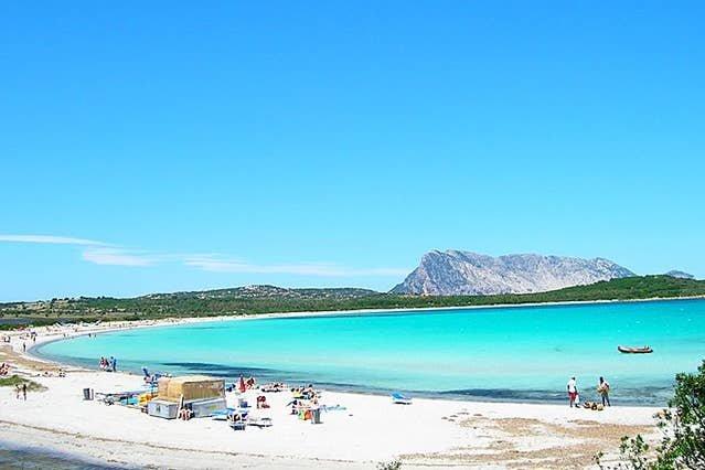 Villa Nicoletta, Sea View, Swimming Pool & Jacuzzi, aluguéis de temporada em Puntaldia