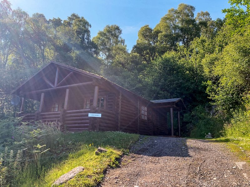 Gingerbread Cabin, holiday rental in Cannich