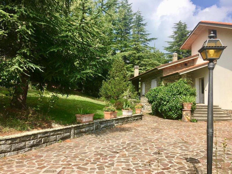 Appartamento in villa privata con parco sulla 'Via degli Dei' immerso nel verde – semesterbostad i Monghidoro