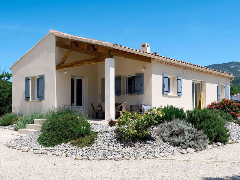 Les Hauts de Jallia (NYS130), vacation rental in Saint-Andre-de-Rosans