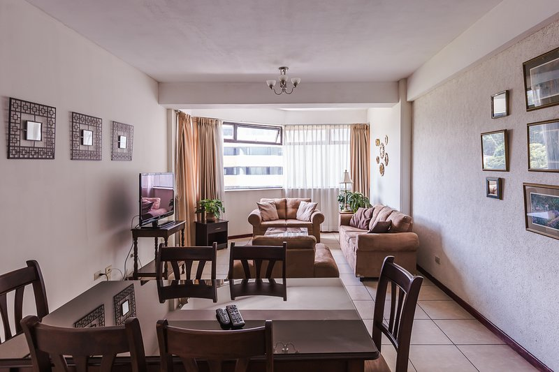 Sophistidated 2 BDRM Apartment -Zona 14, holiday rental in Mixco