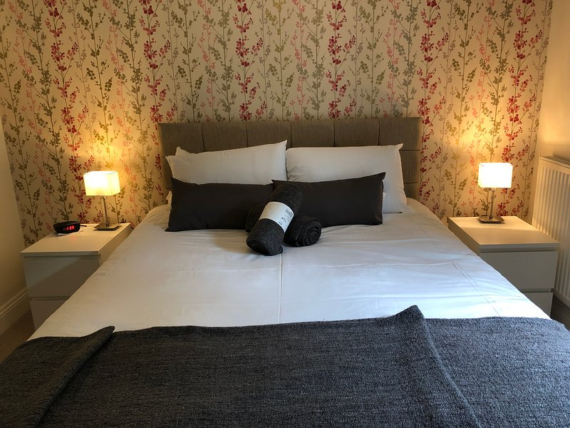 Attractive central apartment with wifi and parking., vacation rental in Edinburgh