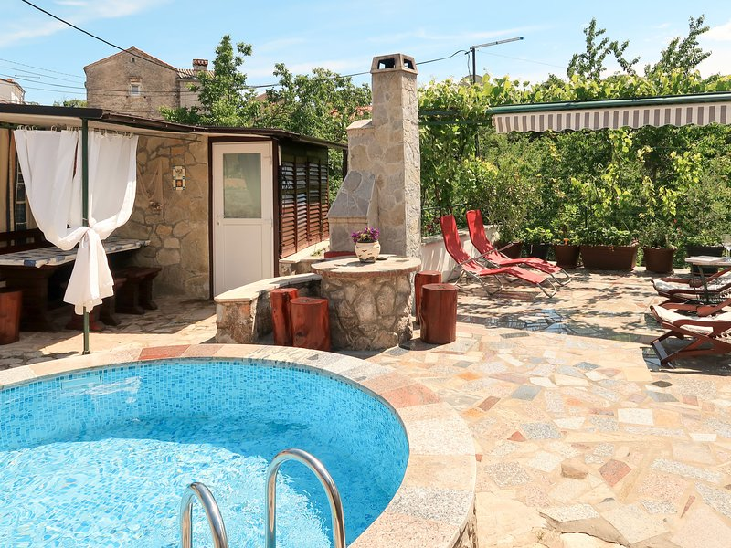 Margeta (KRK245), holiday rental in Kornic