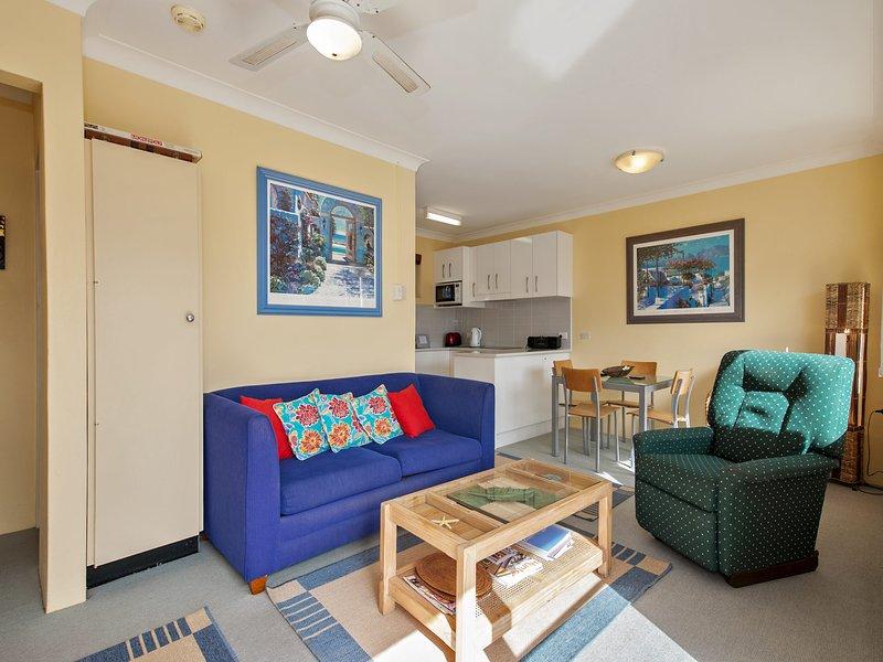 Shipmates, Unit 8/51 Christmas Bush Avenue, vacation rental in Greater Newcastle