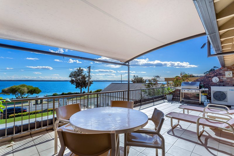 A Yachtsmans Rest, Unit 4/37 Victoria Parade, holiday rental in Nelson Bay