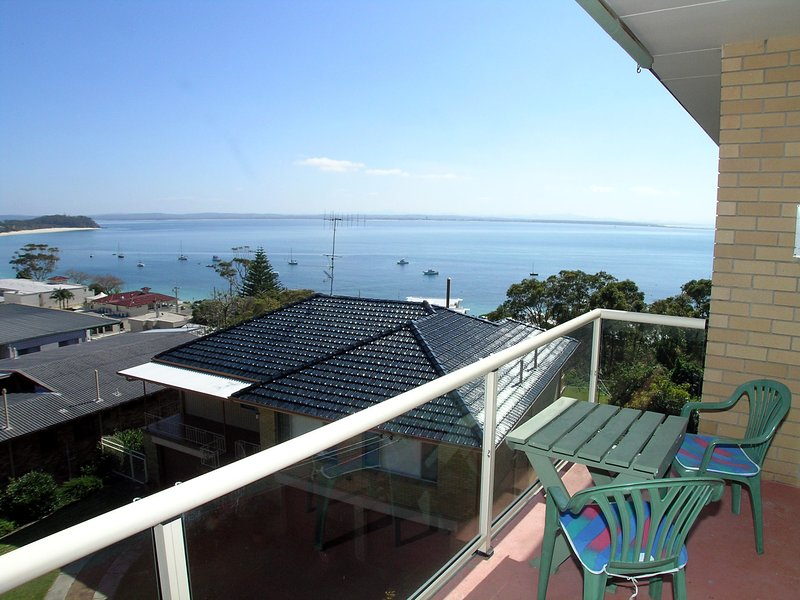 Blue Waters Unit 8/59 Ronald Avenue, vacation rental in Greater Newcastle
