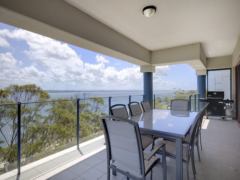 Le Vogue, Unit 11/16 Magnus Street, holiday rental in Nelson Bay