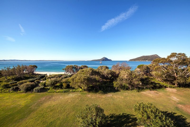 The Helm, Unit 5/22 Voyager Close, holiday rental in Nelson Bay
